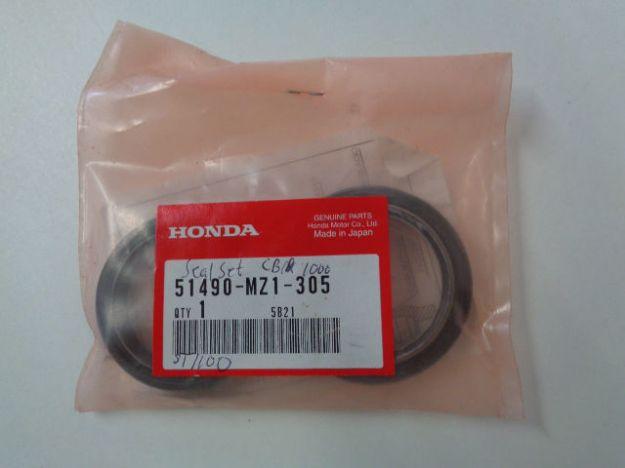Picture of Packboxar framgaffel Honda Genuine Parts 51490-MZ1-305 (1par)